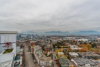 "Photo 8: 2303 285 E 10TH Avenue in Vancouver: Mount Pleasant VE Condo for sale in ""The Independent"" (Vancouver East)  : MLS®# R2418764"
