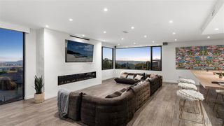 Photo 10: MISSION HILLS House for sale : 6 bedrooms : 4003 Bandini St in San Diego