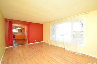 Photo 10: 317 X Avenue South in Saskatoon: Meadowgreen Residential for sale : MLS®# SK810850