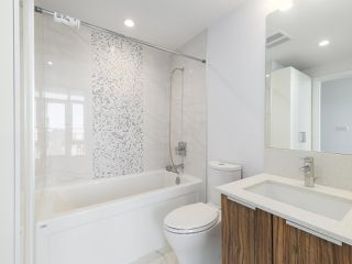 """Photo 10: 3505 1283 HOWE Street in Vancouver: Downtown VW Condo for sale in """"TATE DOWNTOWN"""" (Vancouver West)  : MLS®# R2496200"""
