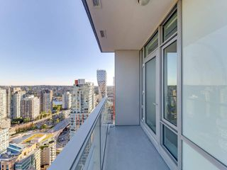 """Photo 14: 3505 1283 HOWE Street in Vancouver: Downtown VW Condo for sale in """"TATE DOWNTOWN"""" (Vancouver West)  : MLS®# R2496200"""