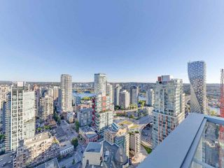 """Photo 15: 3505 1283 HOWE Street in Vancouver: Downtown VW Condo for sale in """"TATE DOWNTOWN"""" (Vancouver West)  : MLS®# R2496200"""