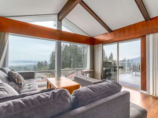 Photo 3: 258 NEWDALE Court in North Vancouver: Upper Delbrook House for sale : MLS®# R2503506