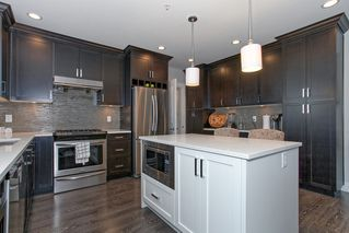 Photo 4: 20403 Wicklund Avenue in VillageWalk: Home for sale : MLS®# R2060416