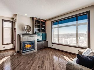 Photo 5: 5 Val Gardena View SW in Calgary: Springbank Hill Detached for sale : MLS®# A1043905
