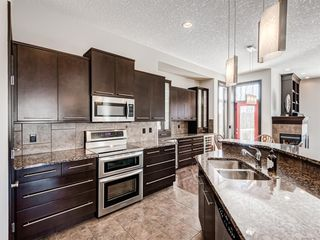 Photo 10: 5 Val Gardena View SW in Calgary: Springbank Hill Detached for sale : MLS®# A1043905