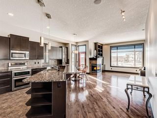 Photo 2: 5 Val Gardena View SW in Calgary: Springbank Hill Detached for sale : MLS®# A1043905
