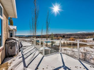 Photo 14: 5 Val Gardena View SW in Calgary: Springbank Hill Detached for sale : MLS®# A1043905