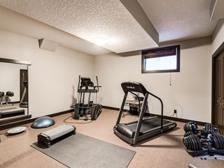 Photo 36: 5 Val Gardena View SW in Calgary: Springbank Hill Detached for sale : MLS®# A1043905