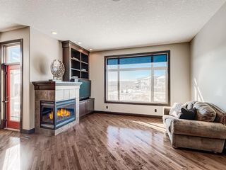 Photo 4: 5 Val Gardena View SW in Calgary: Springbank Hill Detached for sale : MLS®# A1043905