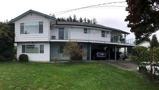 Photo 1: 5104 BETTY Road in Sechelt: Sechelt District House for sale (Sunshine Coast)  : MLS®# R2523102
