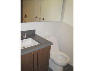 """Photo 5: 304 251 E 7TH Avenue in Vancouver: Mount Pleasant VE Condo for sale in """"District"""" (Vancouver East)  : MLS®# V935031"""