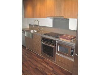 """Photo 2: 304 251 E 7TH Avenue in Vancouver: Mount Pleasant VE Condo for sale in """"District"""" (Vancouver East)  : MLS®# V935031"""