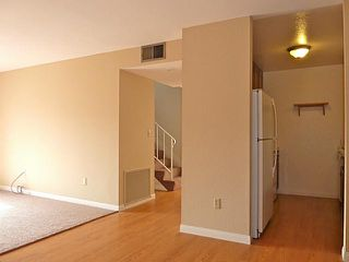 Photo 2: CLAIREMONT Condo for sale : 2 bedrooms : 5582 Caminito Roberto in San Diego