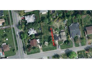 Photo 2: 606 Broadway Street in VICTORIA: SW Glanford Land for sale (Saanich West)  : MLS®# 319474