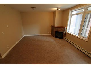 Photo 5: 3205 24 HEMLOCK Crescent SW in CALGARY: Spruce Cliff Condo for sale (Calgary)  : MLS®# C3554343
