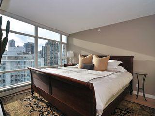 "Photo 10: 1807 198 AQUARIUS MEWS ME in Vancouver: Yaletown Condo for sale in ""AQUARIUS II"" (Vancouver West)  : MLS®# V995255"