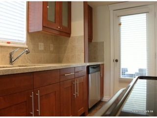 "Photo 3: 310 1319 MARTIN Street: White Rock Condo for sale in ""The Cedars"" (South Surrey White Rock)  : MLS®# F1305898"