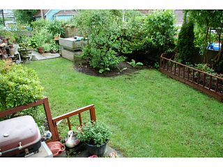 "Photo 2: 102 391 E 7TH Avenue in Vancouver: Mount Pleasant VE Condo for sale in ""OAKWOOD PARK"" (Vancouver East)  : MLS®# V1009572"