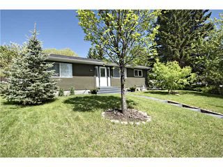 Photo 1: 3004 LANCASTER Way SW in CALGARY: Lakeview Residential Detached Single Family for sale (Calgary)  : MLS®# C3579883