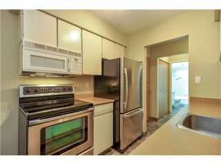 Photo 3: 415 9857 MANCHESTER Drive in Burnaby: Government Road Condo for sale (Burnaby North)  : MLS®# V1053693