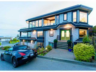 Photo 2: 1087 FINLAY ST: White Rock House for sale (South Surrey White Rock)  : MLS®# F1416917