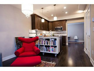Photo 4: # 113 828 ROYAL AV in New Westminster: Downtown NW Condo for sale : MLS®# V1106214