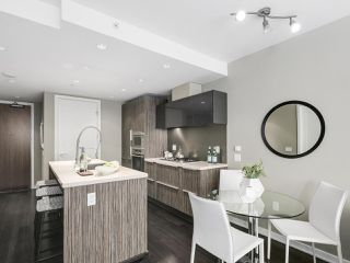 Photo 6: 309 1661 ONTARIO STREET in Vancouver: False Creek Condo for sale (Vancouver West)  : MLS®# R2157053