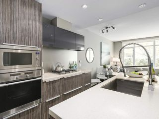 Photo 3: 309 1661 ONTARIO STREET in Vancouver: False Creek Condo for sale (Vancouver West)  : MLS®# R2157053