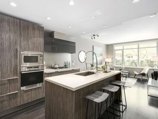 Photo 2: 309 1661 ONTARIO STREET in Vancouver: False Creek Condo for sale (Vancouver West)  : MLS®# R2157053