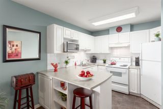 Photo 4: 510 210 ELEVENTH STREET in New Westminster: Uptown NW Condo for sale : MLS®# R2281064