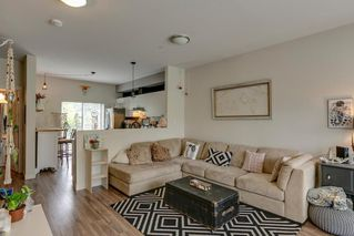 Photo 3: 40160 GOVERNMENT ROAD in Squamish: Garibaldi Estates Townhouse for sale : MLS®# R2281164