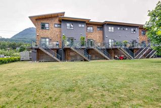 Photo 18: 40160 GOVERNMENT ROAD in Squamish: Garibaldi Estates Townhouse for sale : MLS®# R2281164
