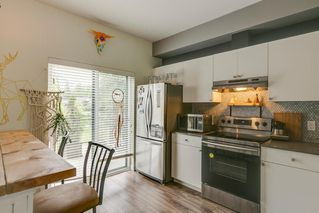 Photo 5: 40160 GOVERNMENT ROAD in Squamish: Garibaldi Estates Townhouse for sale : MLS®# R2281164