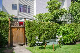 Photo 2: 12 230 W 13TH STREET in North Vancouver: Central Lonsdale Townhouse for sale : MLS®# R2323337