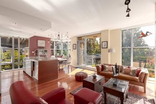 Photo 1: 402 1005 BEACH AVENUE in Vancouver: West End VW Condo for sale (Vancouver West)  : MLS®# R2403390