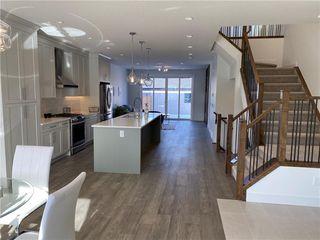 Photo 3: 308 30 Avenue NE in Calgary: Tuxedo Park Semi Detached for sale : MLS®# C4273356