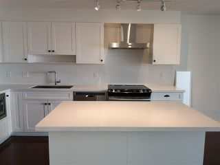Photo 6: 417 500 ROYAL Avenue in New Westminster: Downtown NW Condo for sale : MLS®# R2444936