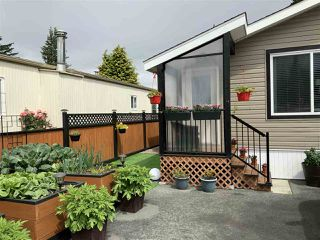 """Photo 2: 58 6338 VEDDER Road in Chilliwack: Sardis West Vedder Rd Manufactured Home for sale in """"MAPLE MEADOWS MOBILE HOME PARK"""" (Sardis)  : MLS®# R2462177"""