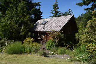 Photo 2: 3706 Tiller Cres in Pender Island: GI Pender Island House for sale (Gulf Islands)  : MLS®# 842994