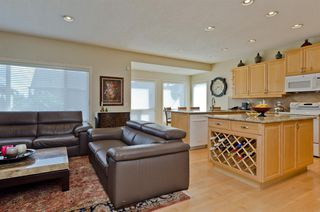 Photo 7: 194 Royal Birch Way NW in Calgary: Royal Oak Detached for sale : MLS®# A1024156