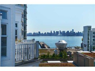 "Photo 1: 415 147 E 1ST Street in North Vancouver: Lower Lonsdale Condo for sale in ""CORONADO"" : MLS®# V974613"