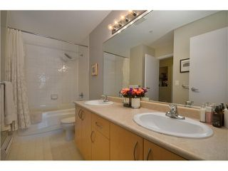 "Photo 6: 415 147 E 1ST Street in North Vancouver: Lower Lonsdale Condo for sale in ""CORONADO"" : MLS®# V974613"