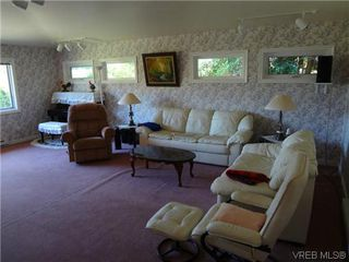 Photo 13: 3220 BEACH Drive in VICTORIA: OB Uplands Residential for sale (Oak Bay)  : MLS®# 313381