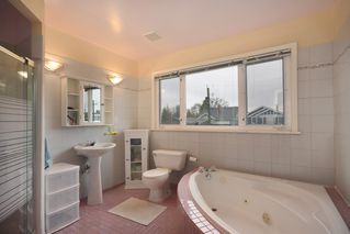 Photo 13: 2076 W 47th Avenue in Vancouver: Kerrisdale House for sale (Vancouver West)  : MLS®# V1048324