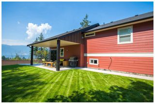 Photo 3: 1450 Southeast 9 Avenue in Salmon Arm: Hillcrest House for sale (SE Salmon Arm)  : MLS®# 10087408