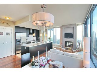 Photo 1: 2702 7088 18 Avenue in Burnaby: Edmonds BE Condo for sale (Burnaby East)  : MLS®# V1085141