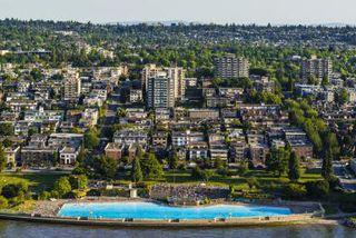 Photo 2: ~ Cozy Kitsilano Restaurant ~ in : Kitsilano Home for sale (Vancouver East)  : MLS®# C8005008