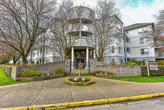 Photo 1: 408 5465 201 STREET in Langley: Langley City Condo for sale : MLS®# R2036400
