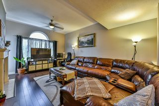 Photo 3: 408 5465 201 STREET in Langley: Langley City Condo for sale : MLS®# R2036400